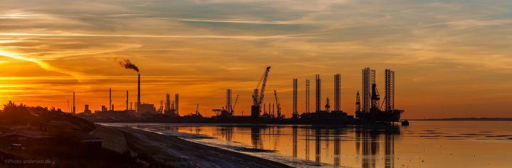 Esbjerg Brygge i solnedgang
