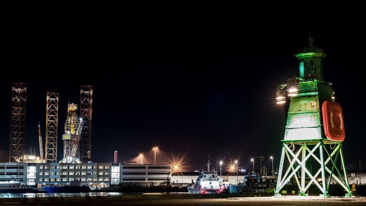 Esbjerg havn i mørke