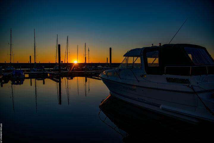 Solnedgang over den nye Lystbådehavn ved Esbjerg.